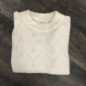 GAP off white sweater size S